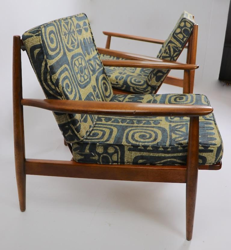 Pair of Mid Century  Lounge Chairs by Baumritter For Sale 5