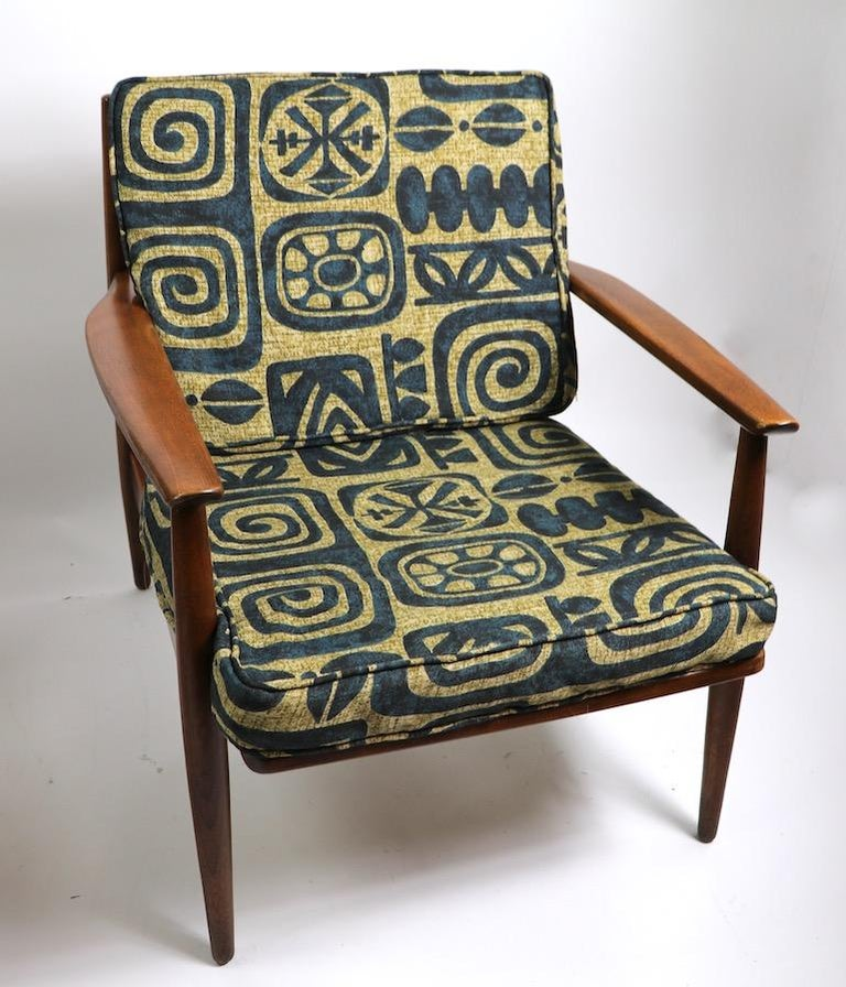 Pair of Mid Century  Lounge Chairs by Baumritter In Good Condition For Sale In New York, NY
