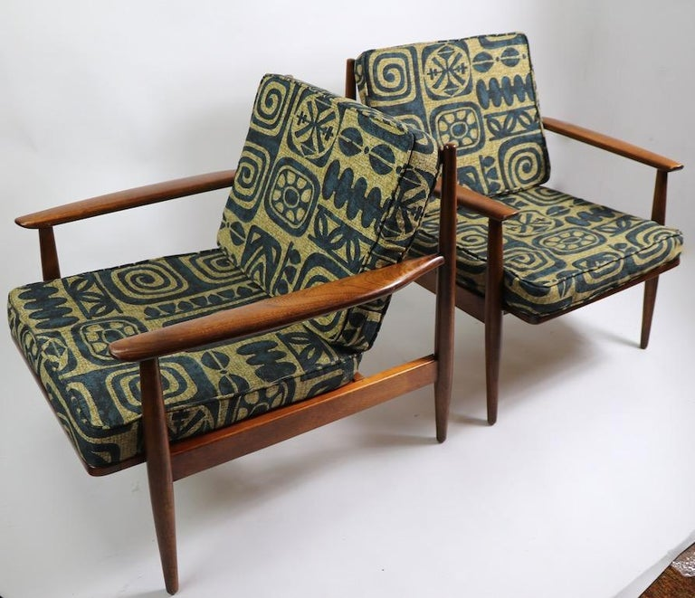 Pair of Mid Century  Lounge Chairs by Baumritter For Sale 1