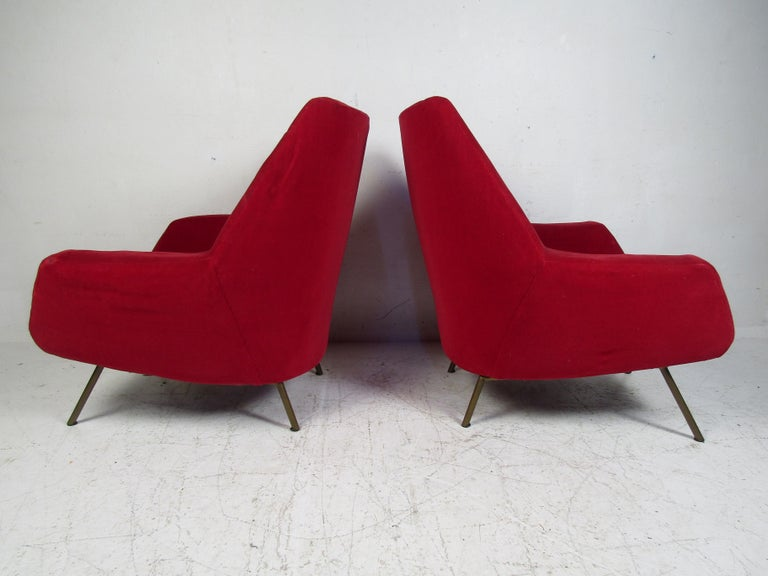 Mid-Century Modern Pair of Midcentury Lounge Chairs For Sale