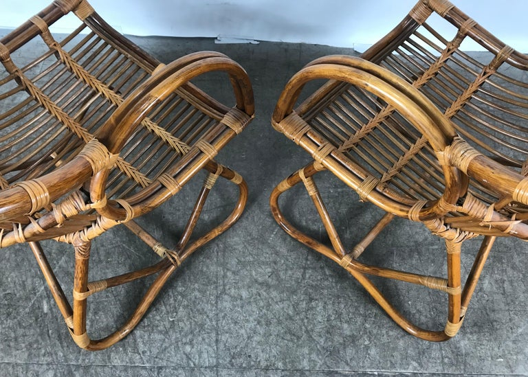 20th Century Pair of Mid-Century Modern after Franco Albini Bamboo or Rattan Lounge Chairs For Sale