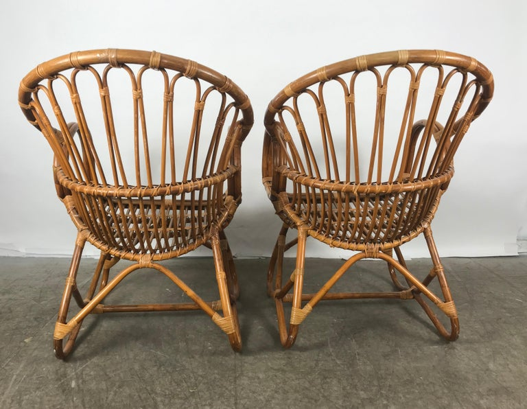 Pair of Mid-Century Modern after Franco Albini Bamboo or Rattan Lounge Chairs For Sale 1