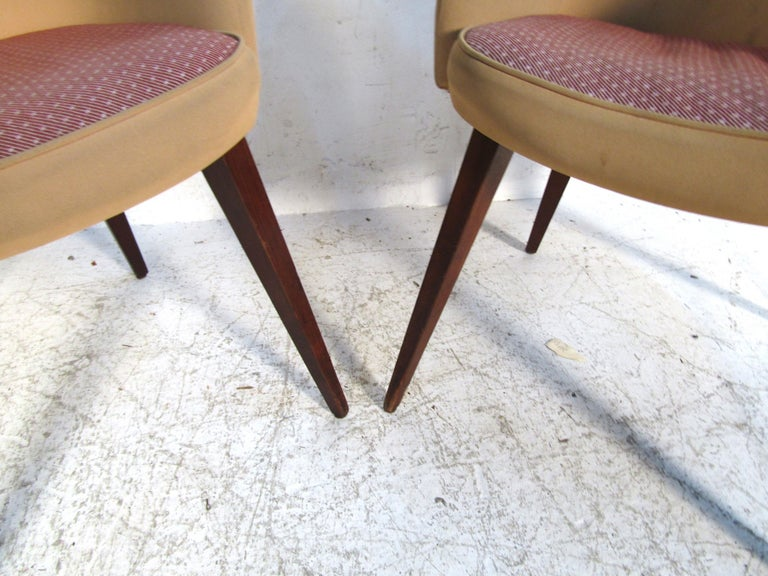 Pair of Mid-Century Modern Lawsonia Armchairs In Fair Condition For Sale In Brooklyn, NY