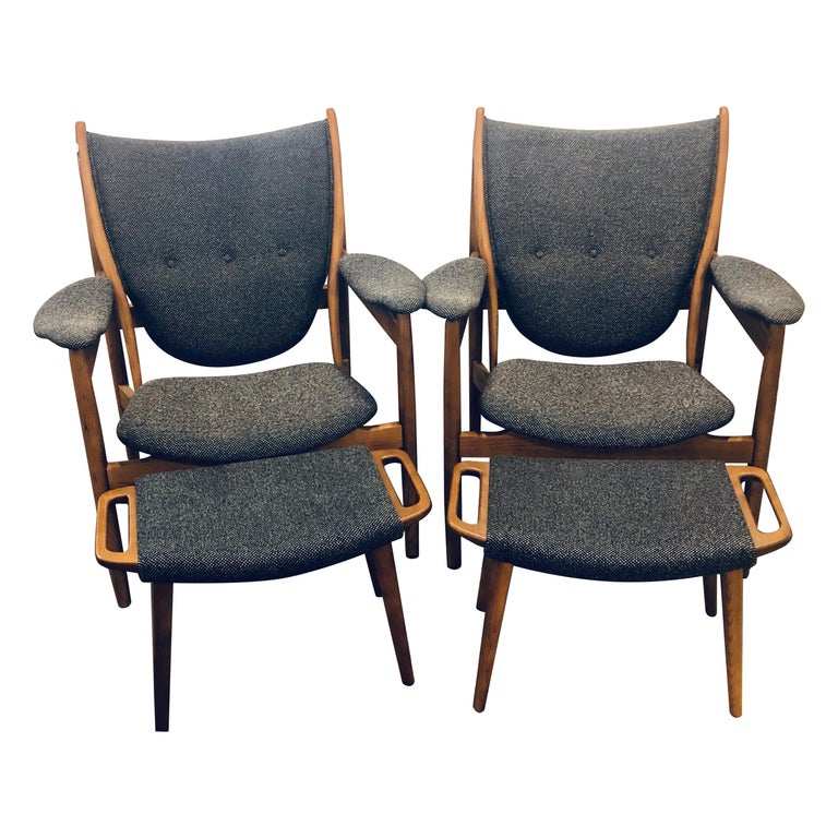 Pair of Mid-Century Modern Sleek & Stylish Arm Chairs with Ottomans For Sale
