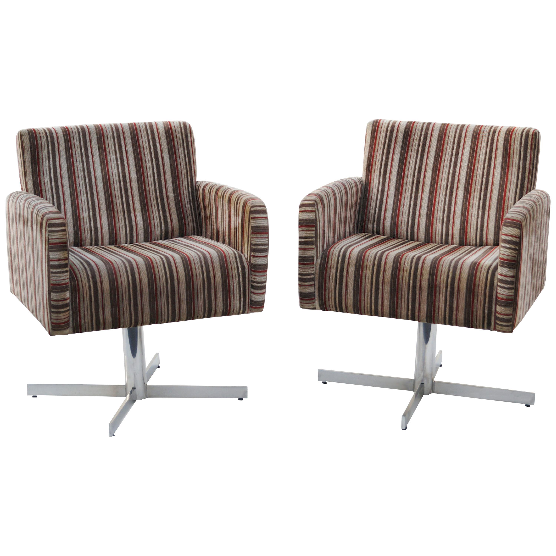 Pair of Mid-Century Modern Swivel Lounge Chairs