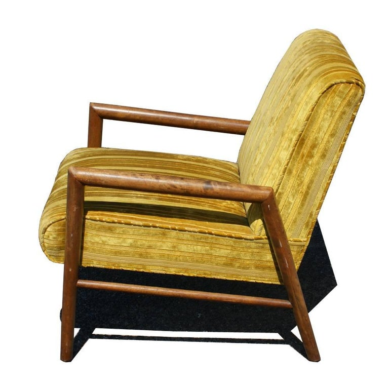 Pair of Midcentury T.H. Robsjohn Gibbings Arm Lounge Chairs In Good Condition For Sale In Pasadena, TX