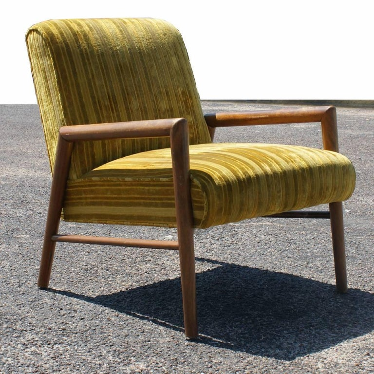 20th Century Pair of Midcentury T.H. Robsjohn Gibbings Arm Lounge Chairs For Sale
