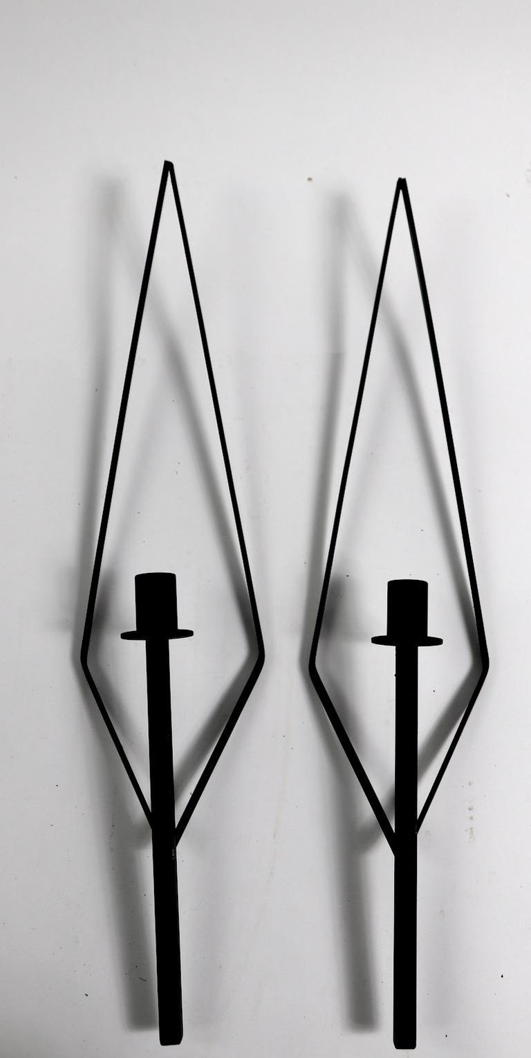 Pair of Midcentury Wrought Iron Sconces after Paul McCobb In Excellent Condition For Sale In New York, NY