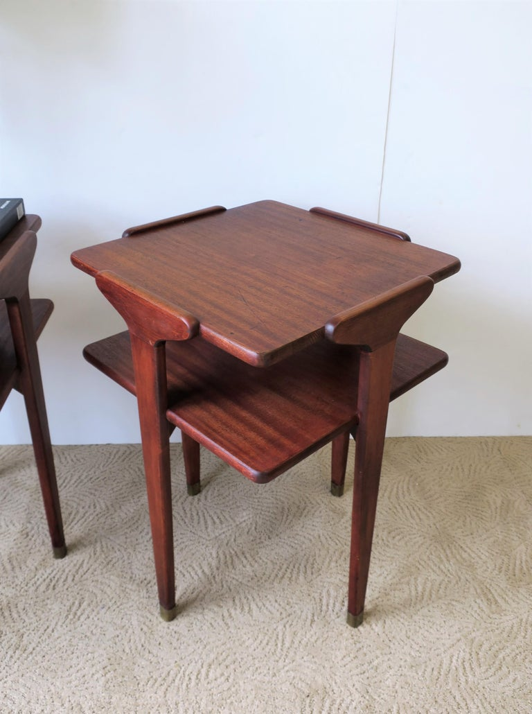 Pair Midcentury End or Night Stand Tables For Sale 11