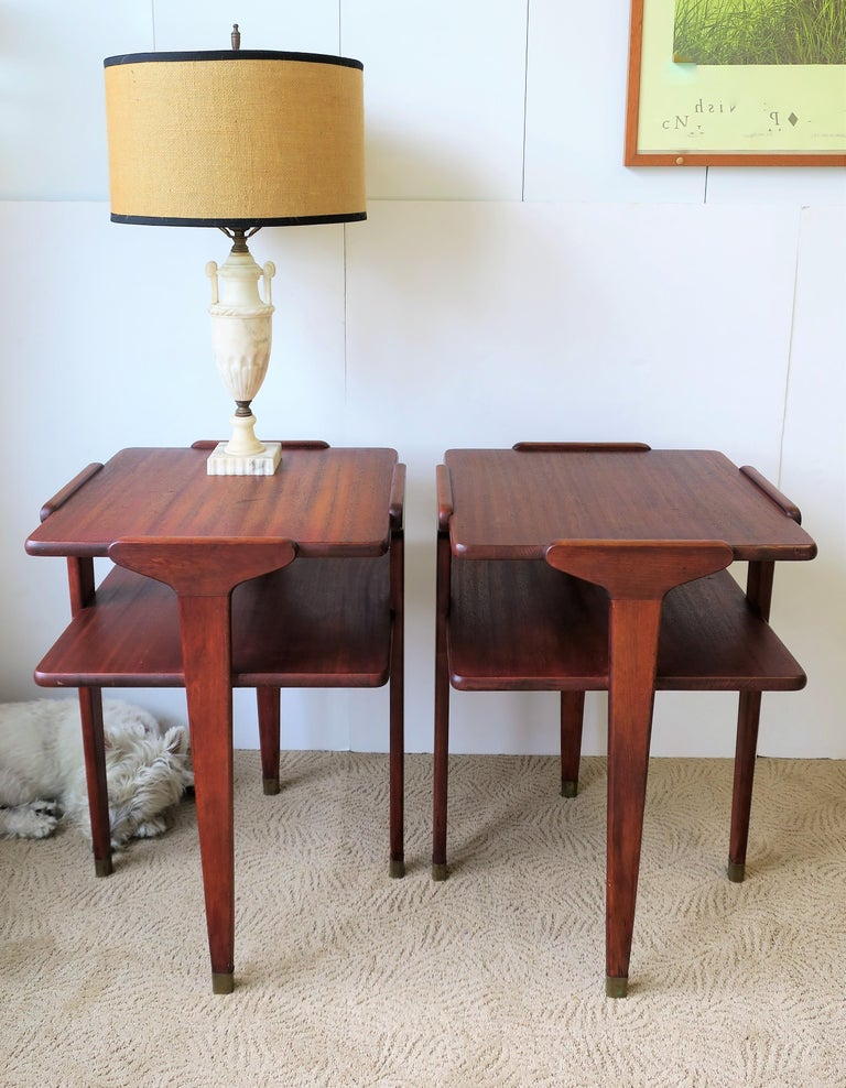 Pair Midcentury End or Night Stand Tables For Sale 2