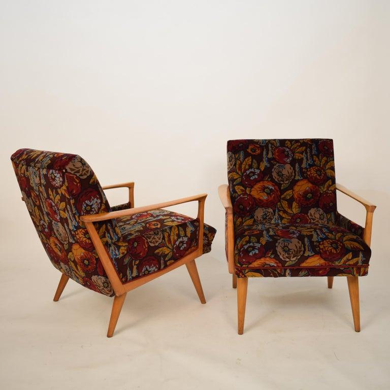 Midcentury Italian Armchairs in Beech and Upholstered Flower Velvet, 1950, Pair In Good Condition In Berlin, DE