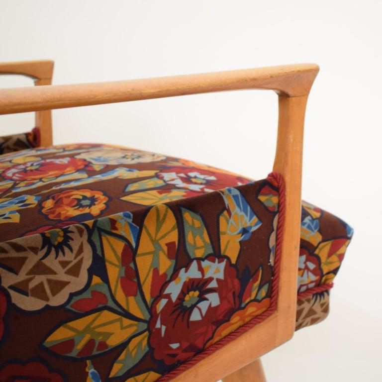 Midcentury Italian Armchairs in Beech and Upholstered Flower Velvet, 1950, Pair 1