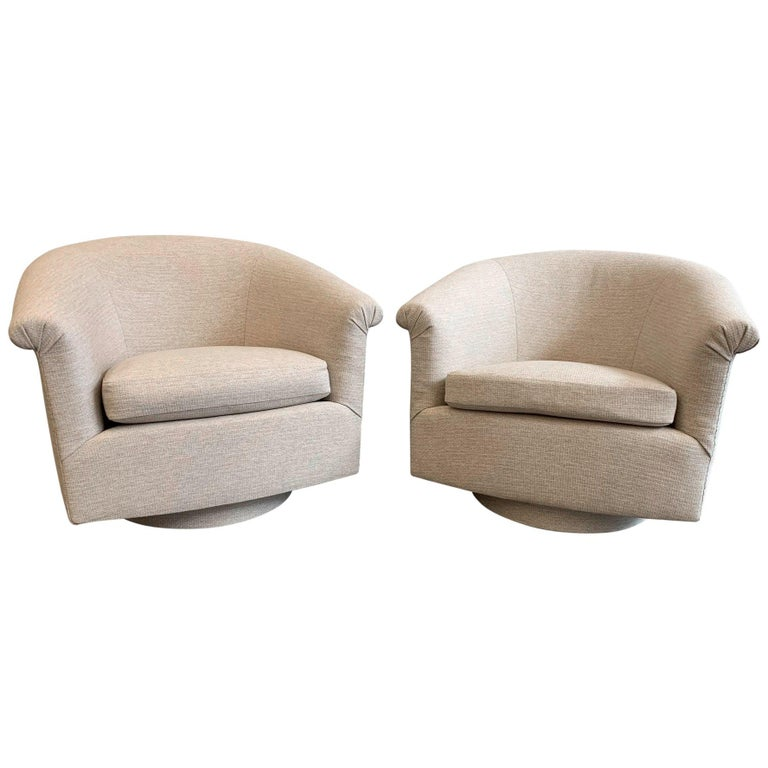 Pair of Milo Baughman Style Swivel Lounge Chairs For Sale