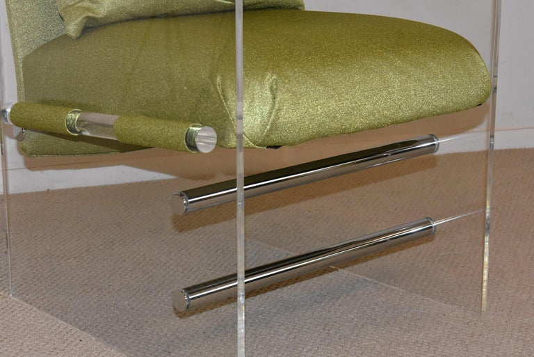 Pair of Modern Lucite And Chrome Club Chairs by Pace In Good Condition For Sale In Toledo, OH