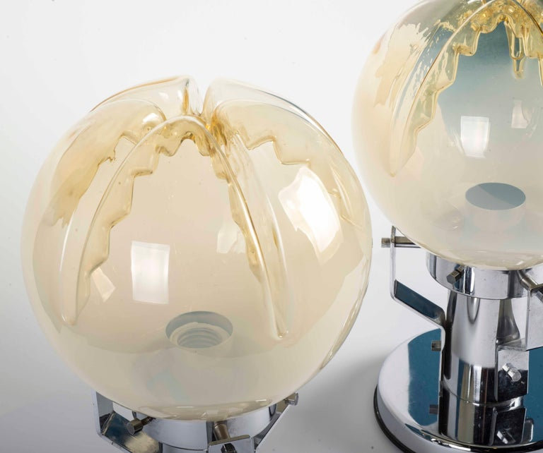Mid-Century Modern Pair of Murano Glass and Chrome Base Table Lamps For Sale