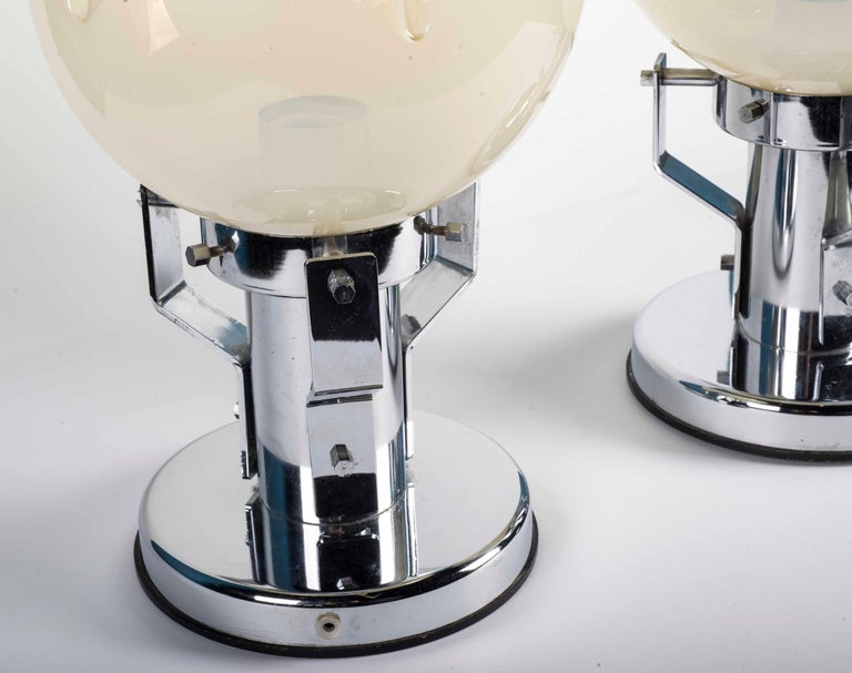 Italian Pair of Murano Glass and Chrome Base Table Lamps For Sale