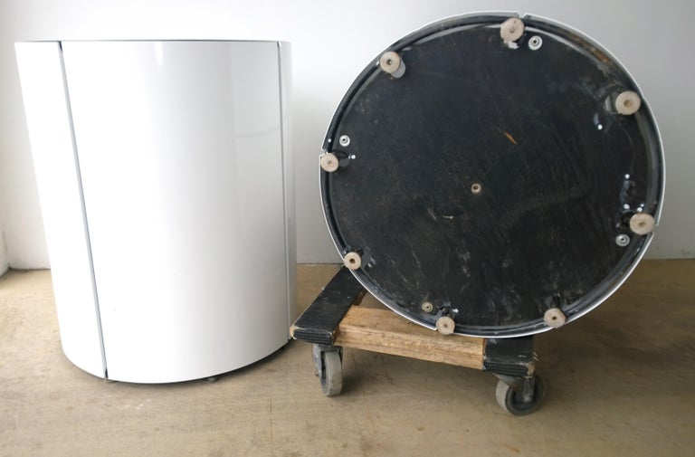 Pair Newly Powder-Coated in White Over Metal Panels & Black Metal Frame Planters For Sale 13