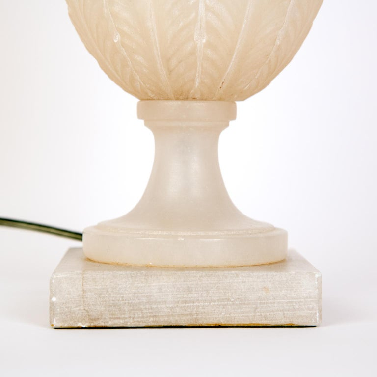 Pair of Midcentury Italian Neoclassical Style Alabaster Urn Table Lamps For Sale 2