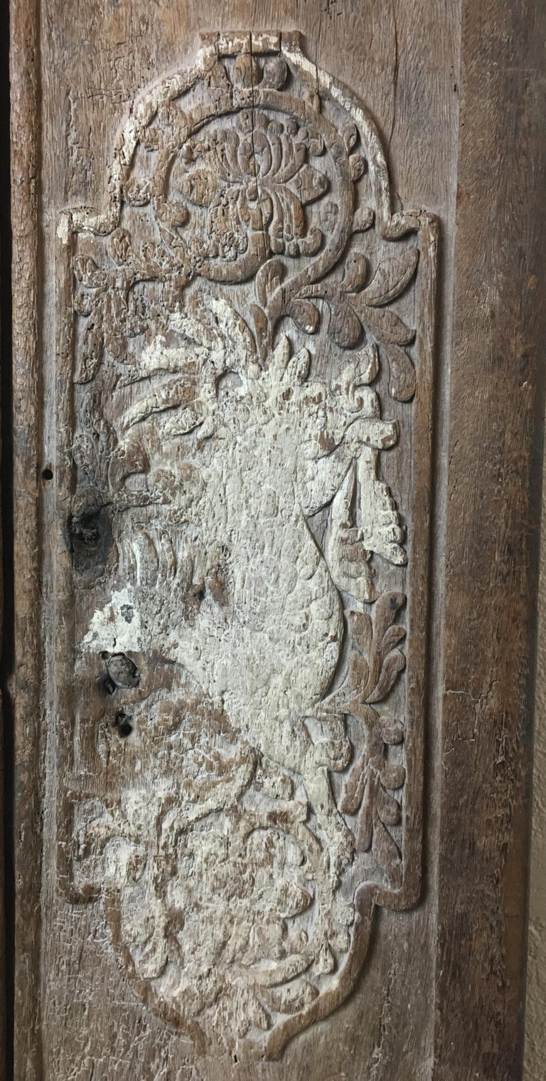 Pair of 17th Century Chinese Carved Doors or Panels In Good Condition For Sale In Arles, FR