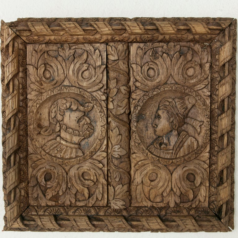 Pair of 17th Century French Hand Carved Oak Panels with Male and Female Profiles In Good Condition For Sale In Fayetteville, AR