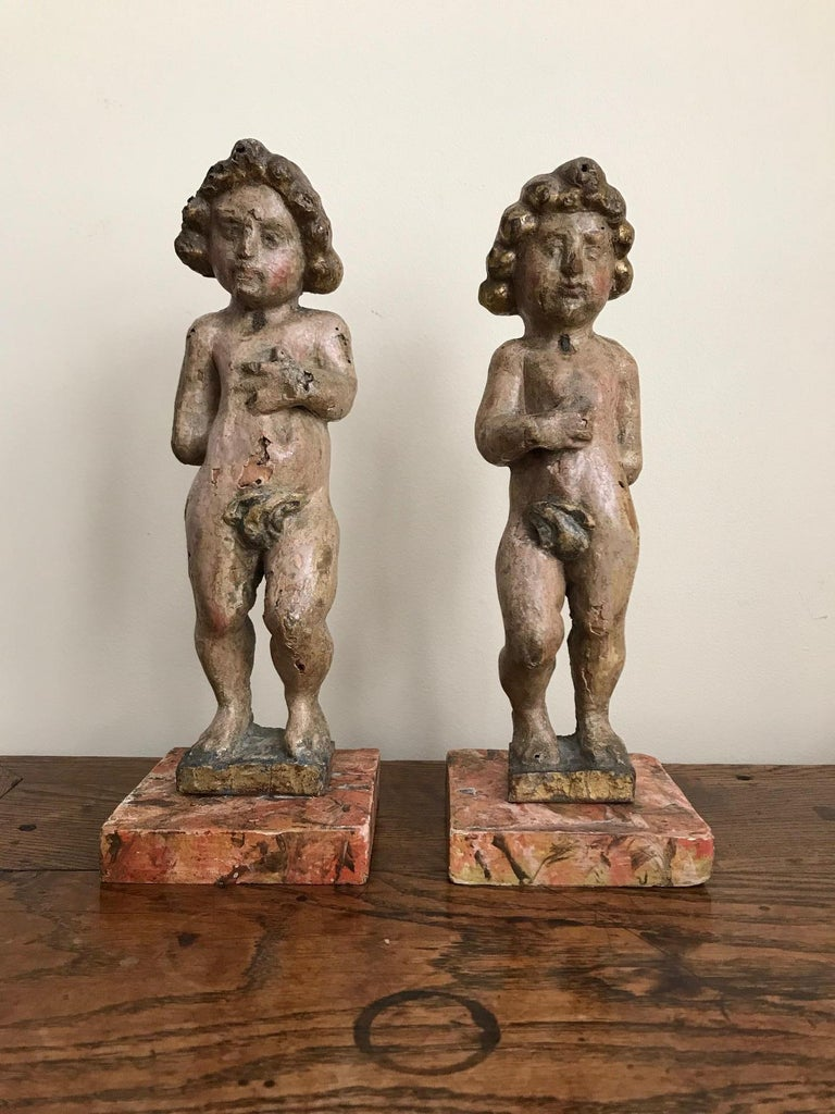 Pair of 17th Century Italian Carved Wood Putti For Sale 3