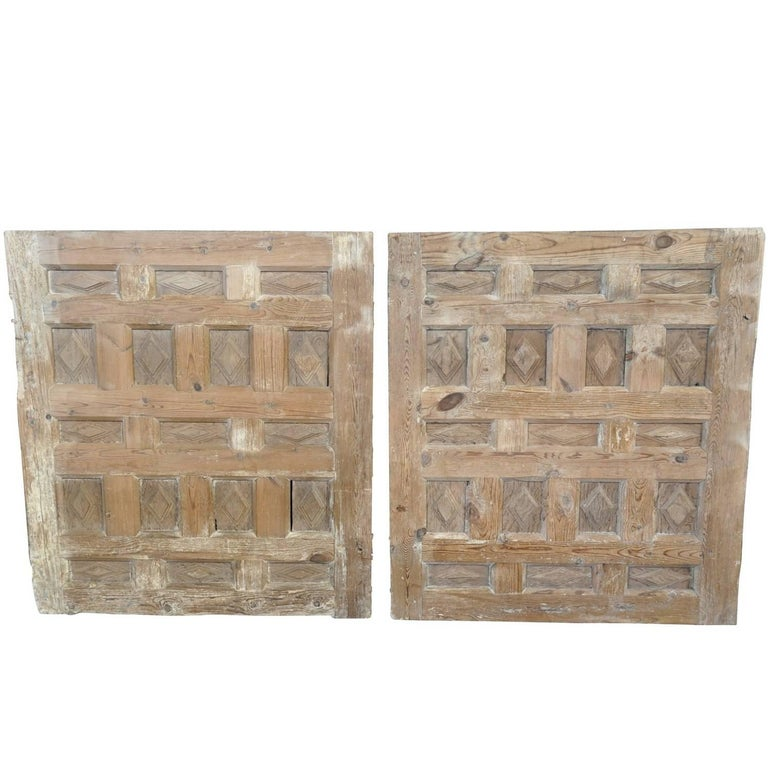 Pair of 17th Century Spanish Carved Panels For Sale