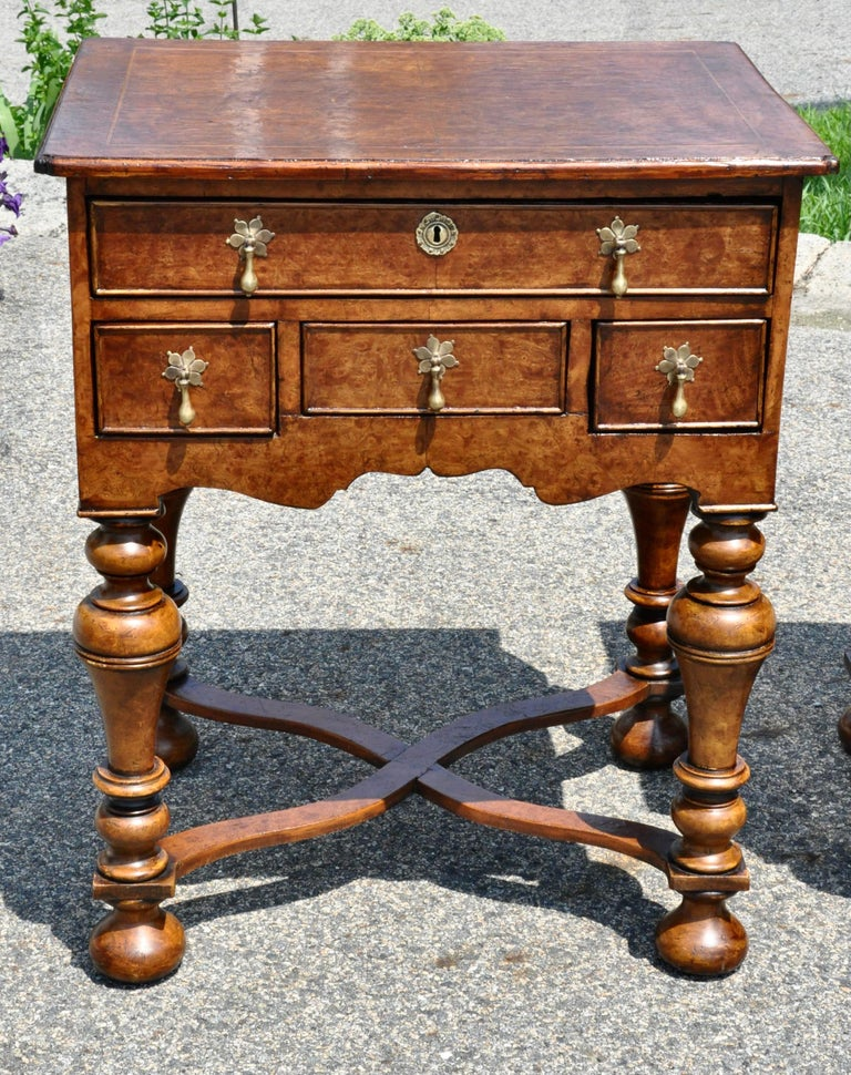 William and Mary Pair of 17th Century Style Burl Walnut End Tables For Sale