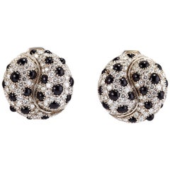 Pair of 18 Karat White Gold Earrings with Diamonds and Onyx