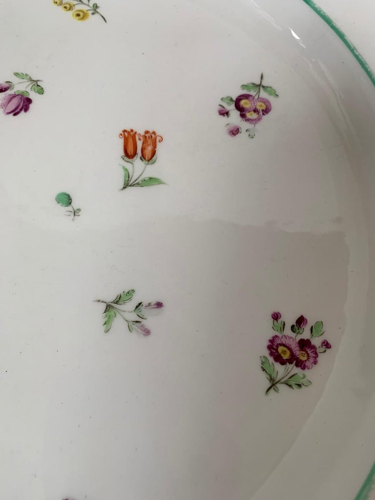 Pair of 18th-19th Century French Sprig Pattern Porcelain Chargers, Unmarked For Sale 6