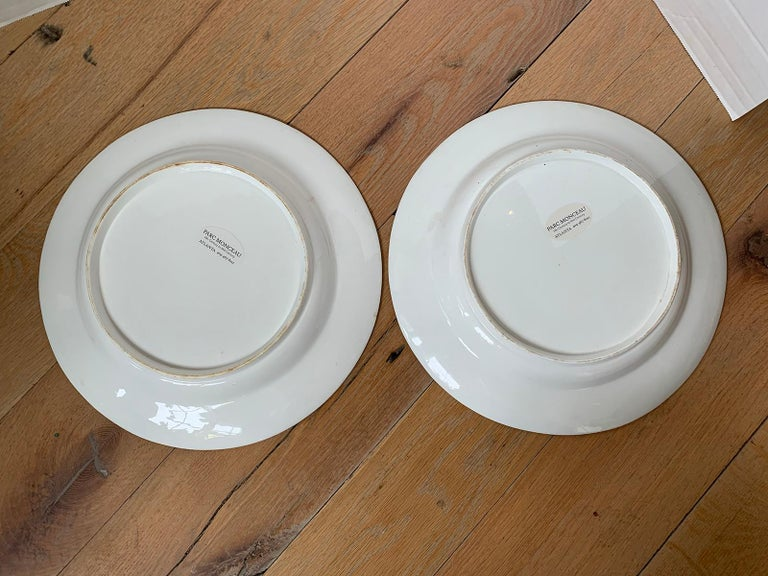Pair of 18th-19th Century French Sprig Pattern Porcelain Chargers, Unmarked In Good Condition For Sale In Atlanta, GA