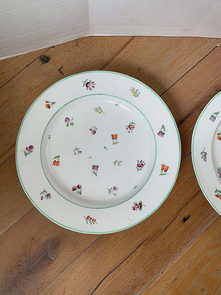Pair of 18th-19th Century French Sprig Pattern Porcelain Chargers, Unmarked For Sale 2