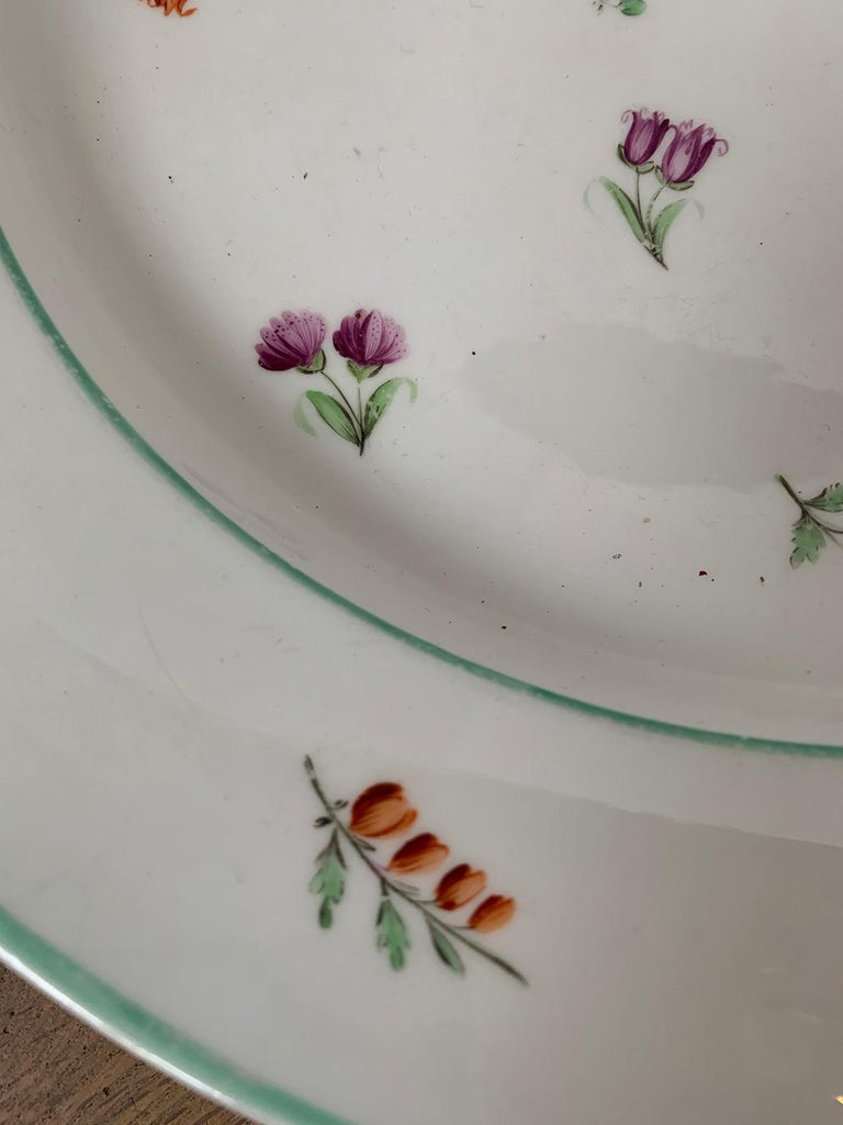 Pair of 18th-19th Century French Sprig Pattern Porcelain Chargers, Unmarked For Sale 5
