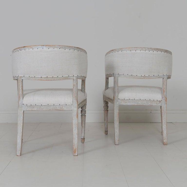 Pair of 18th Century Swedish Gustavian Period Original PaintSulla Chairs - Set 2 For Sale 6