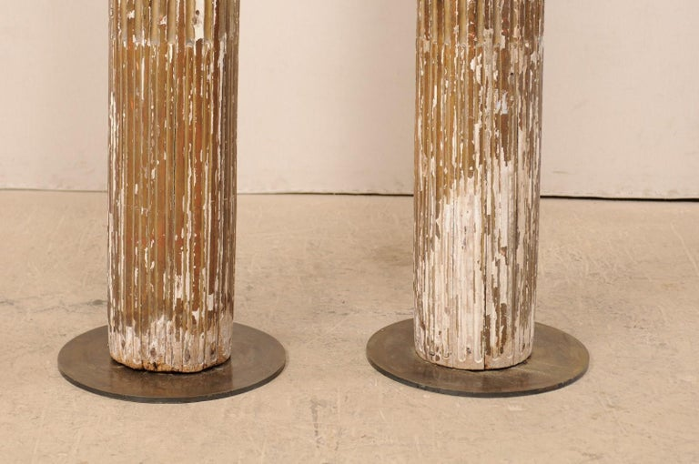 Pair of 18th Century Fluted and Gilded Wood Columns For Sale 4