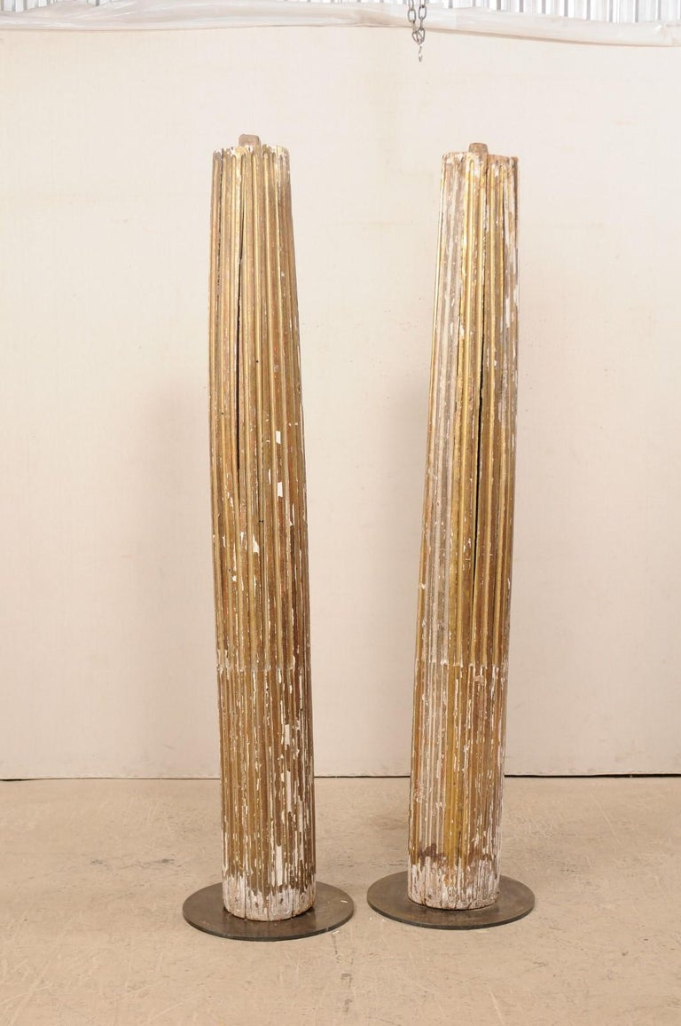Carved Pair of 18th Century Fluted and Gilded Wood Columns For Sale