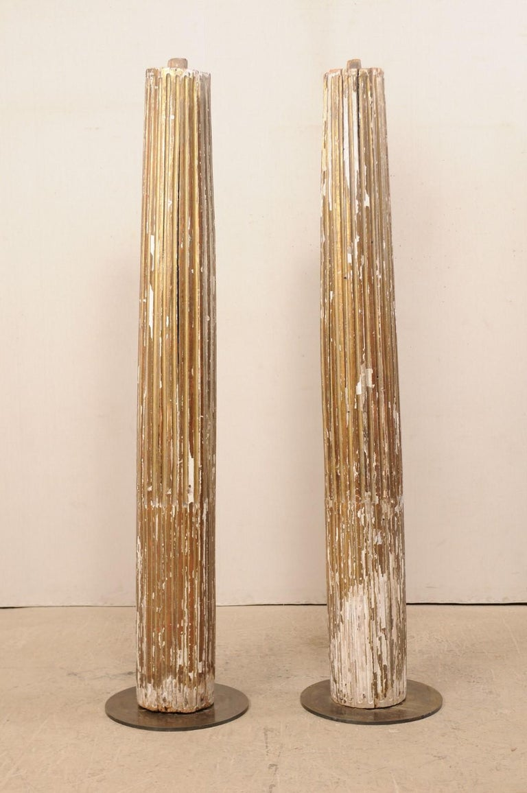 Pair of 18th Century Fluted and Gilded Wood Columns In Good Condition For Sale In Atlanta, GA