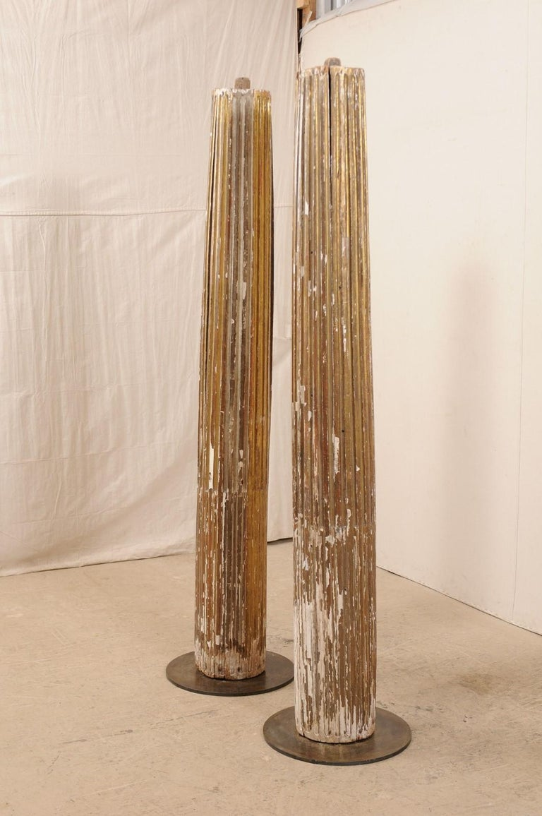 Pair of 18th Century Fluted and Gilded Wood Columns For Sale 1