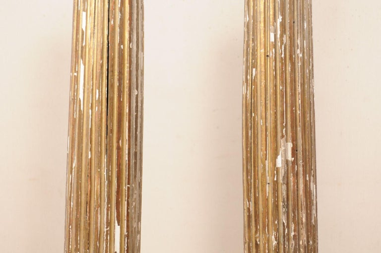 Pair of 18th Century Fluted and Gilded Wood Columns For Sale 3