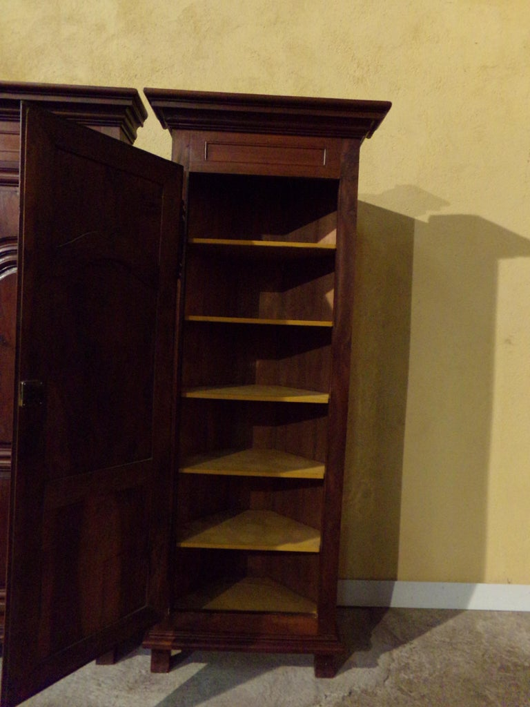 Louis XIV Pair of 18th Century Armoire Corner Cupboards in Walnut For Sale