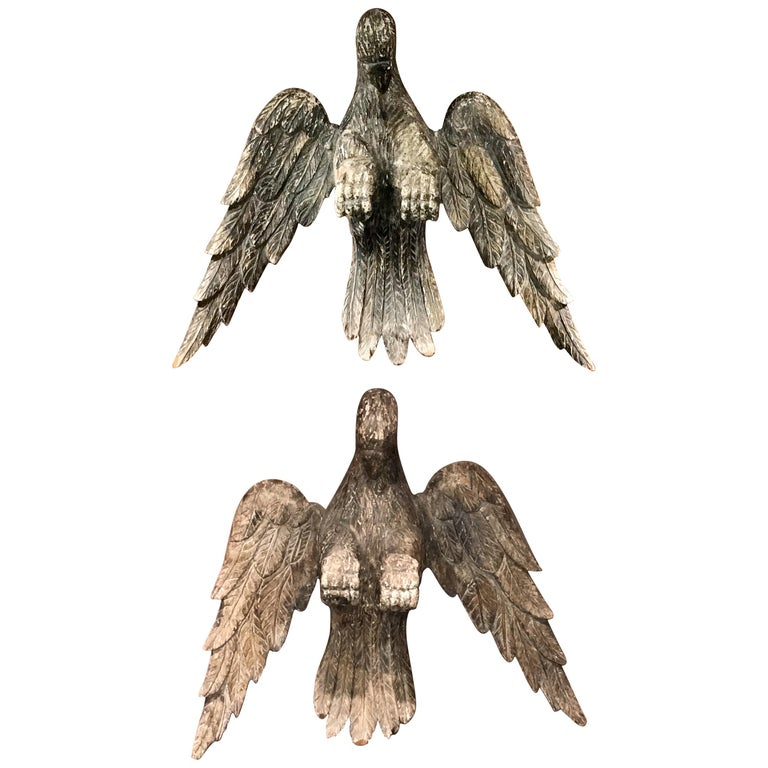 Pair of 18th Century Continental Carved Wooden Eagles For Sale
