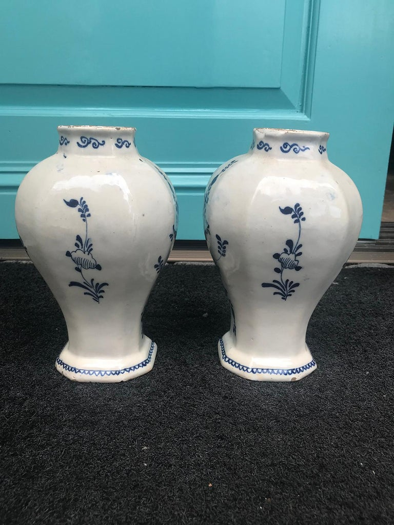 Pair of 18th Century Delft Urns, Signed For Sale 10