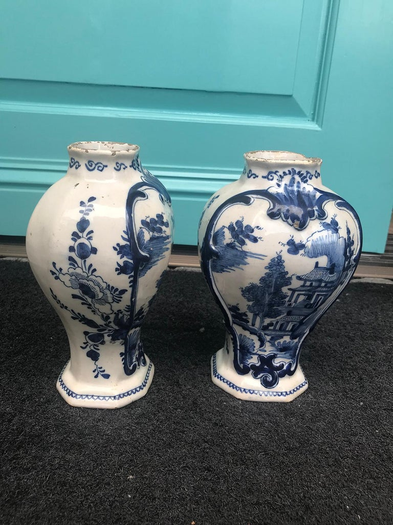 Pair of 18th Century Delft Urns, Signed For Sale 2