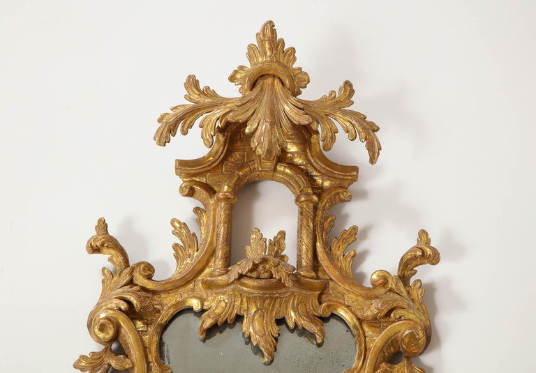Pair of 18th Century English Giltwood Chinoiserie Mirrors with Candleholders In Good Condition For Sale In New York, NY