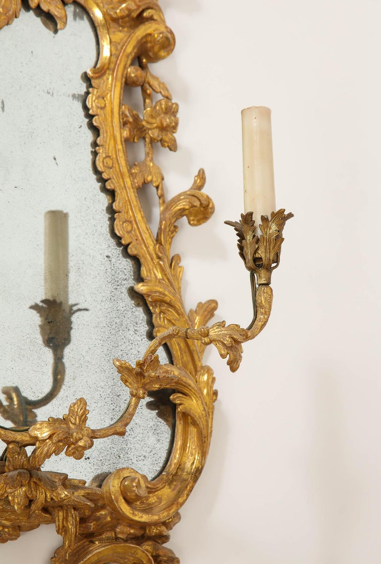 Pair of 18th Century English Giltwood Chinoiserie Mirrors with Candleholders For Sale 5