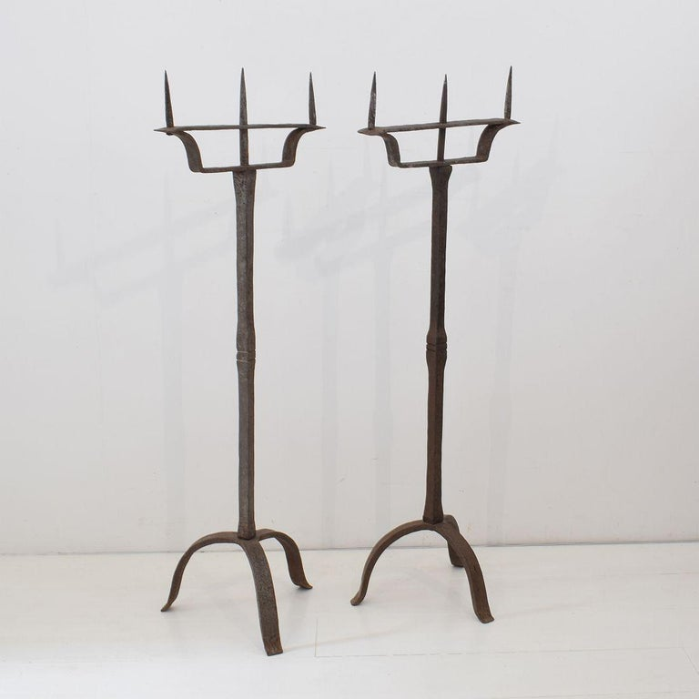 Pair of 18th Century French Hand Forged Iron Candleholders In Good Condition For Sale In Amsterdam, NL