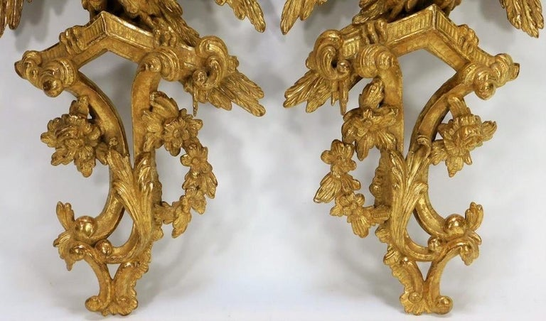 English Pair of 18th Century George II Giltwood Eagle Wall Brackets For Sale