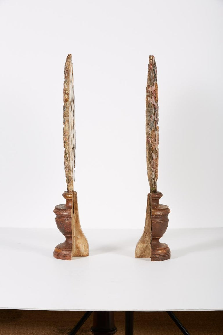 Pair of 18th Century Hand Carved Polychrome Floral Garnitures For Sale 1