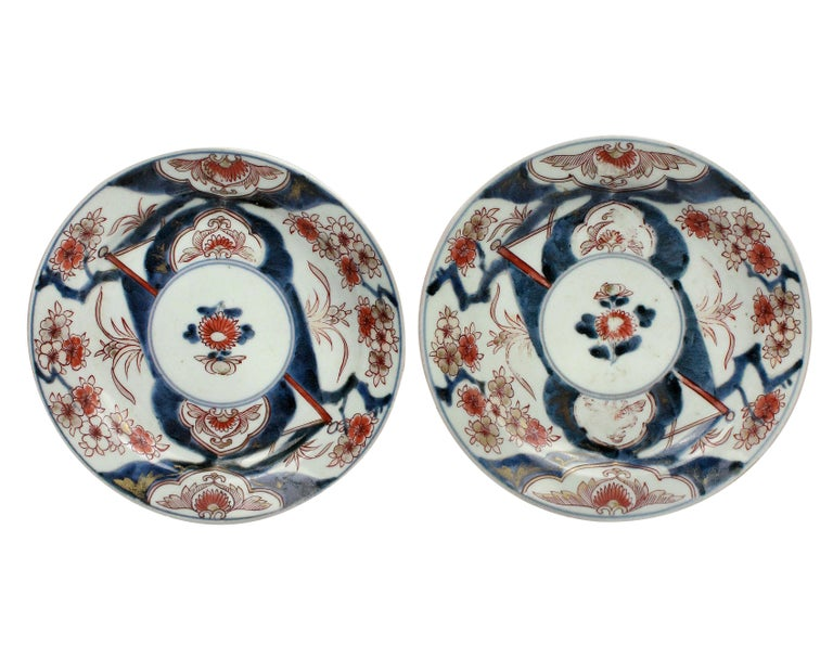 Pair of traditional Japanese Imari Edo period plates. No repairs or chips, just rubbing to the gilding and glaze.