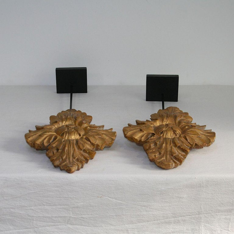 Pair of 18th Century Italian Carved Giltwood Classical Ornaments For Sale 14