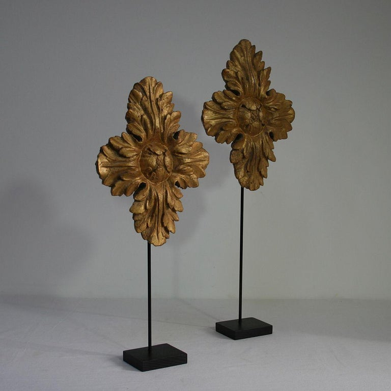 Neoclassical Pair of 18th Century Italian Carved Giltwood Classical Ornaments For Sale